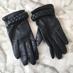 H&M Black Leather Gloves with braided Detail
